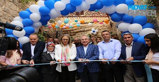 Tarihi Mardin'de Bir Sokak Daha Güzelleşti