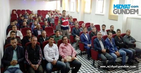 Midyat'ta Okul Servisi Sürücülerine Seminer
