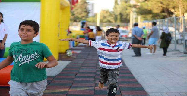 25 bin çocuk, 'Çocuk Eğlence Parkı'nda mutlu oldu
