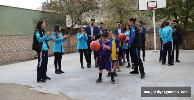 Topu Olmayan İlkokul Kalmasın Projesi