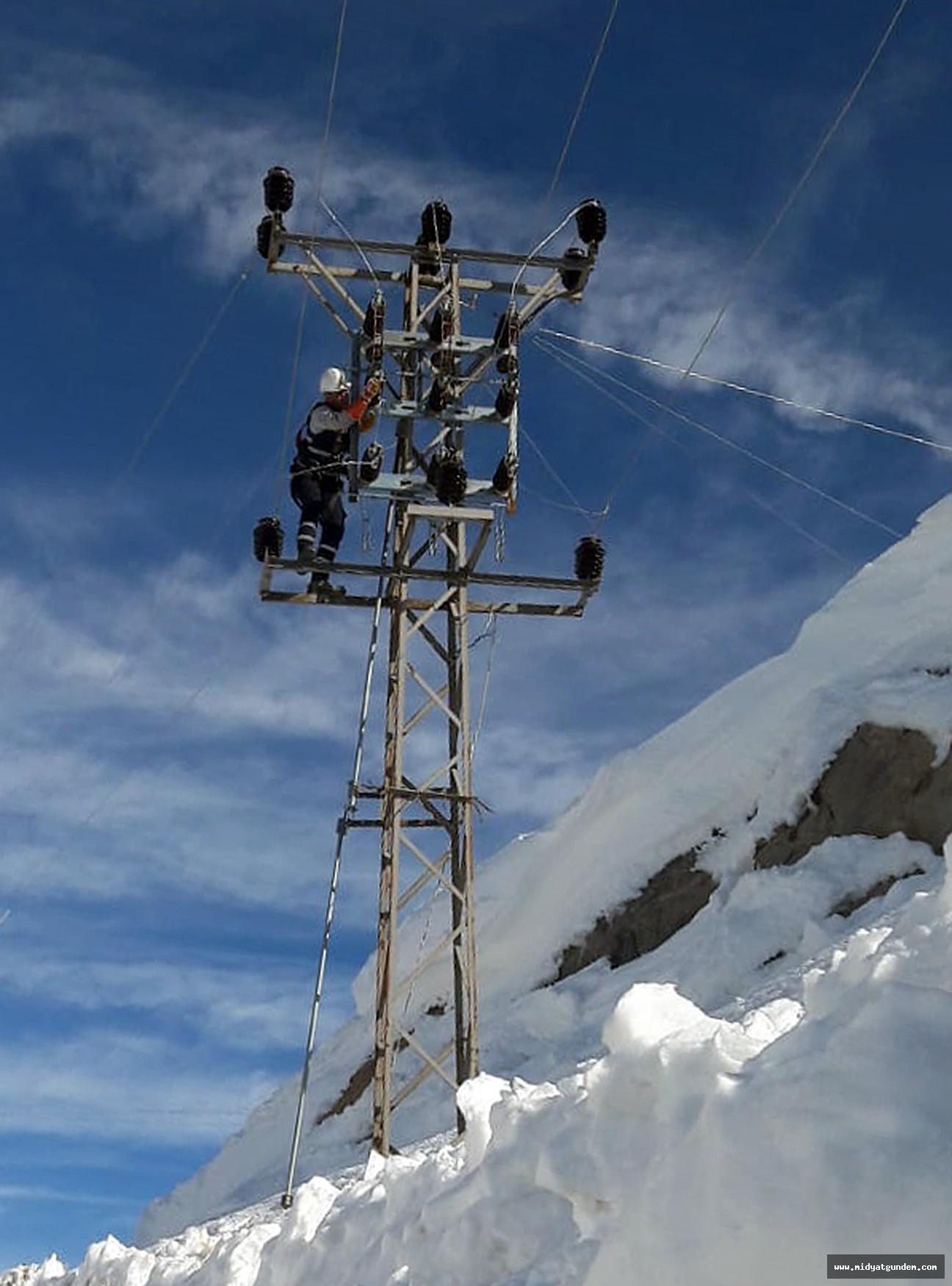 Dicle Elektrik Ekipleri Sınır Güvenliği İçin İşbaşında