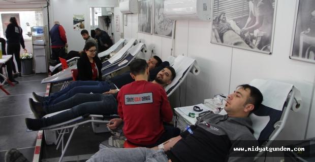 Midyat'ta Kızılay'a Kan Bağışı Kampanyası