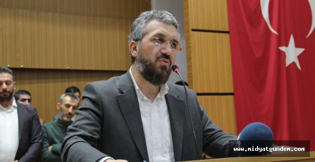"""Midyat'ta """"Gençliğin İslam İle Dirilişi"""" Konulu Konferans"""