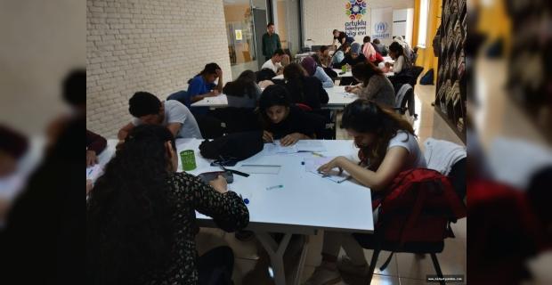 Artuklu Belediyesi Öğrencileri Geleceğe Hazırlıyor