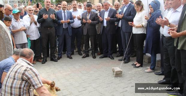 Midyat'ta Doğal Gaz Çalışmalarına İlk Kepçenin Vurulması İle Başlandı