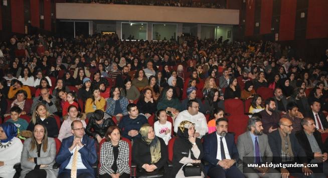 Artuklu Üniversitesi  'Sevme'yi 'Sanat' Haline Getirdi