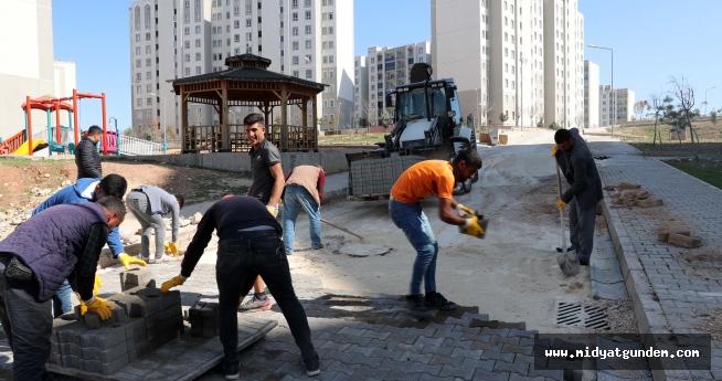 Büyükşehir Belediyesinden parke çalışması