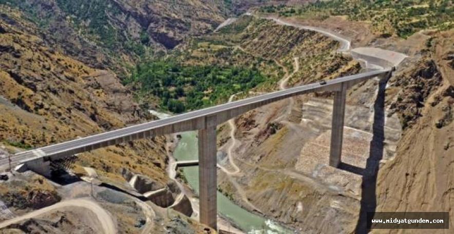 Güneydoğu'yu Doğu'ya bağlayacak Beğendik Köprüsü yarın ulaşıma açılıyor