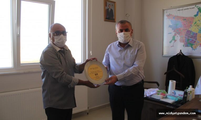 Hay-Der Derneği, Başkan Şahin'e plaket verdi