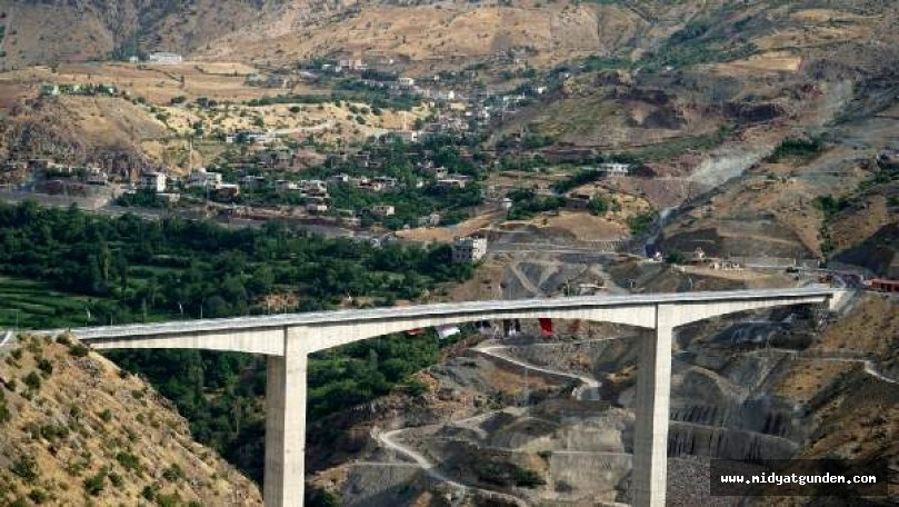 Türkiye'nin en yüksek köprüsü bölge ekonomisini canlandıracak