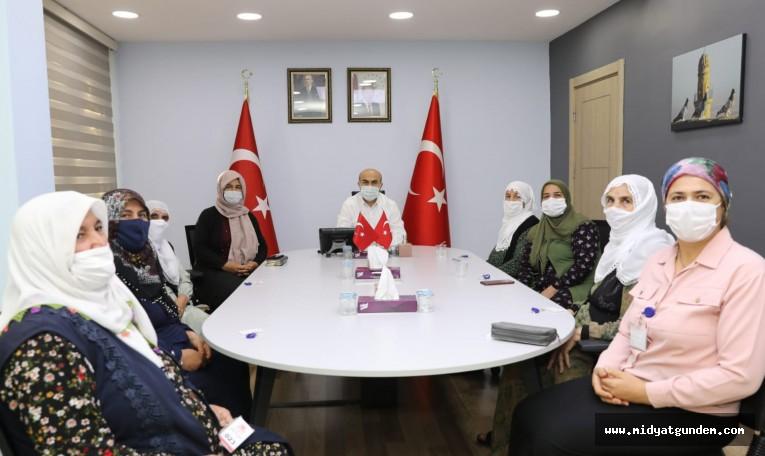 Vali Demirtaş, Mahalle Sakini Kadınları Dinledi