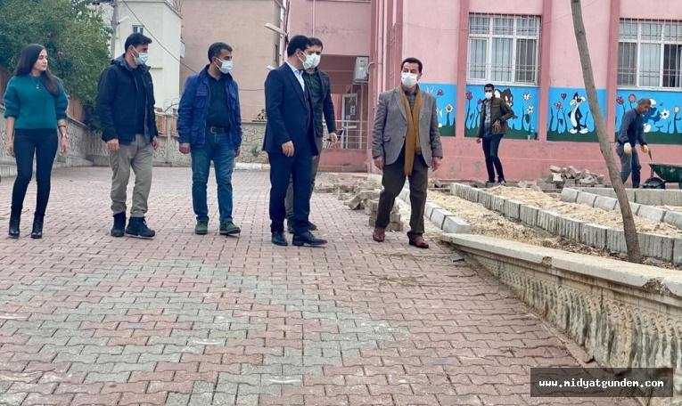 Dargeçit Belediye Başkanı Aksoy Peyzaj Çalışmalarını İnceledi