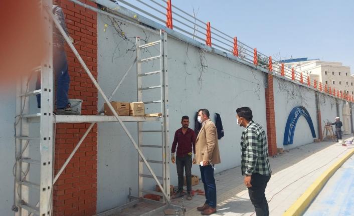 Mardin'de Kavşaklar ve İstinat Duvarları Süsleniyor
