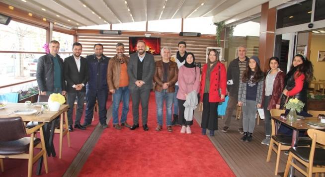 Ak Parti Midyat İlçe Başkanlığı Gazeteciler gününü kutladı