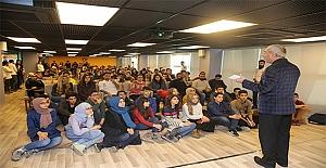 Gençlik Merkezi'nin Konuğu Şair Nurullah Genç Oldu