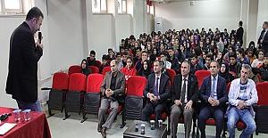 """Midyat'ta """"Yazar-Öğrenci"""" buluşmaları düzenlendi"""