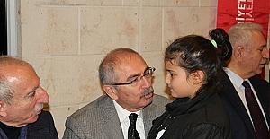 Vali Yaman, İlkokula giden Cemreye Umre Sözü