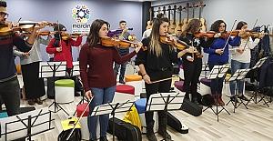 Gençlik Merkezi Kurslar ile Gençlere Katkı Veriyor