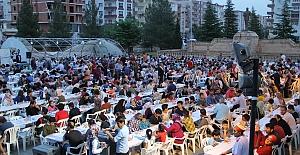 Midyat'ta ramazanın ruhu toplu iftar etkinliklerinde yaşanıyor