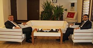 Başkan Şahin, Kaymakam Dündar'ı Makamında Ziyaret Etti