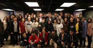 'Kültürel Diplomasi' konulu söyleşi düzenlendi