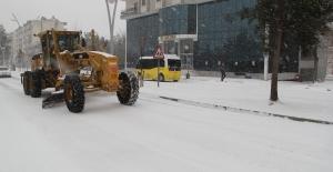Midyat'ta karla mücadele çalışmaları