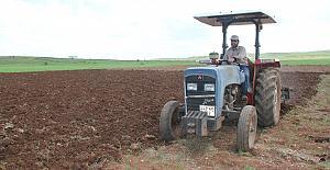 Midyatlı çiftçiler, Kovid-19'a rağmen ekimi sürdürüyor