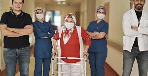 bspan style=color:#008000İlk Defa Diz Protezi Ameliyatı yapıldı/span/b