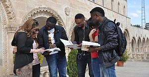 bspan style=color:#0000ffMAÜ 7 İlde Yabancı Öğrenci Sınavı.../span/b