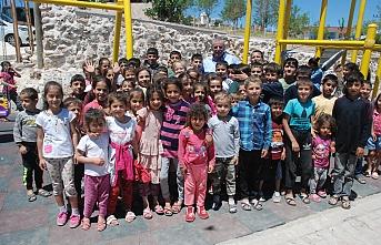 Midyat'ta çocuk parkı açılışında Başkan Şahin'e büyük ilgi