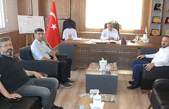 AK Parti İlçe Başkanı ve Başhekimden, Başkan Şahin' ne ziyaret