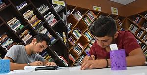Artuklu Bilgi Evi Gençlerin Hizmetinde