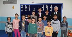 Türkiye İş Bankası'nın desteğiyle 10 okula satranç sınıfı