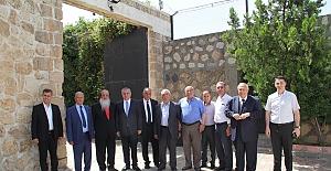 Başkan Şahin, bayram namazını tarihi Cami'de kıldı