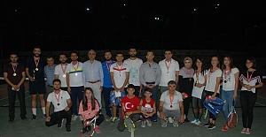 Belediye Yaz Tenis Turnuvası Sona Erdi