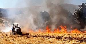 Yangın itfaiye ve vatandaşın çabasıyla söndürüldü