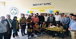 Genç Fenerbahçeliler' den Kütüphane