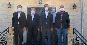 AK Parti Milletvekilleri Midyat Belediyesini Ziyaret etti