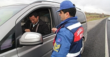 Midyat'ta Jandarma Trafik ekipleri, drone ile gökyüzünden trafik denetimi yaptı