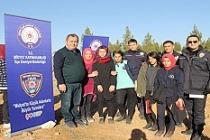 Midyat'ta Polis ve Öğrenciler2 Bin Fidanı Toprakla Buluşturdu