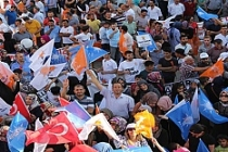 AK Partiden Midyat'ta Dev Miting