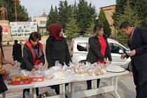 Vatandaşlara Kandil Lokumu Ve Şekeri Dağıtıldı