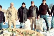 Midyat'ta avcılar, yaban hayvanlar için yem kampanyası başlattı