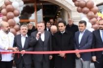 Başkan Şahin, işyeri açılışına katıldı