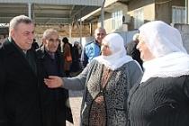 Başkan Şahin, yöresel ürünler pazarını gezdi