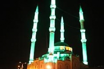 Teravih kılınamayan camilerin minarelerinden ezan, sela, dua ve tekbirler yükseldi