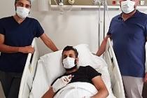Parmakları kopan işçiye Op. Dr. Erbaş'tan başarılı operasyon
