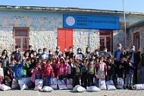 Akar Tekstil Yöneticileri ve Çalışanları Mardinli Çocuklarla Bir Araya Geldi