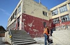 Dumlupınar İmam Hatip Ortaokulu'nun Yıkım Çalışmaları Başladı