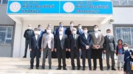 Midyat'ta Genç İGİAD'dan Gönül Bağı Kütüphaneleri açıldı